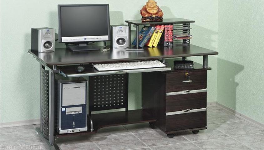 Письменный стол для школьника  на дону